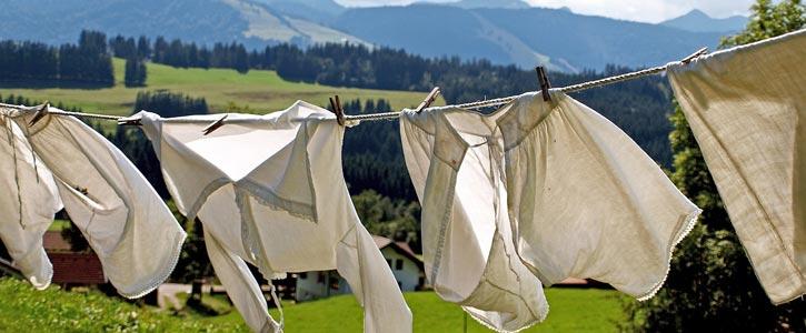 10 umweltfreundliche Tipps gegen stinkende Wäsche